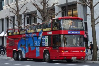 「スカイバス」に乗って小さな東京巡りへ