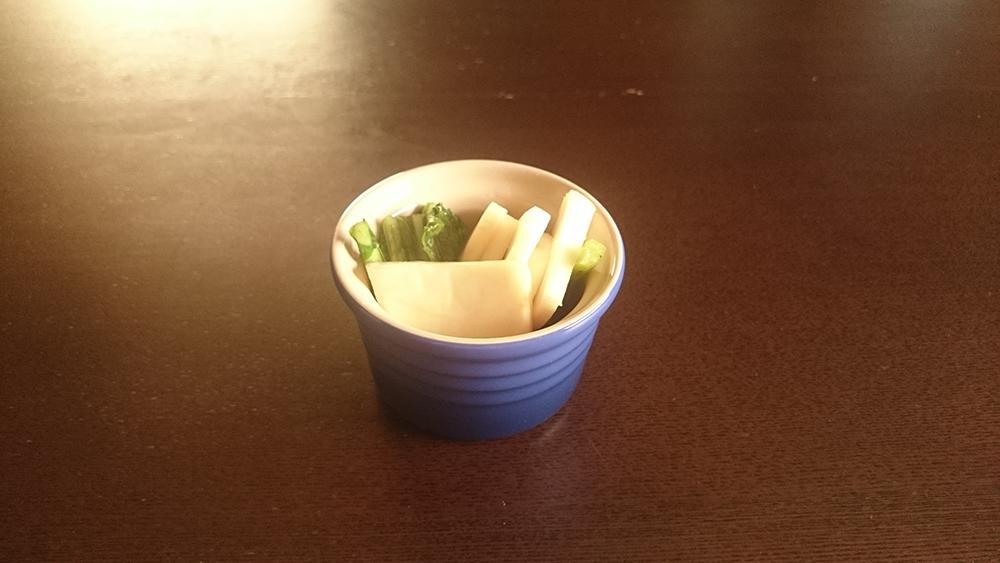 火を使わずに野菜でもう一品♪ 袋に入れて揉むだけの和風ピクルス作ってみた